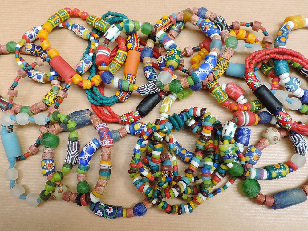 Kralen sieraden uit Ghana