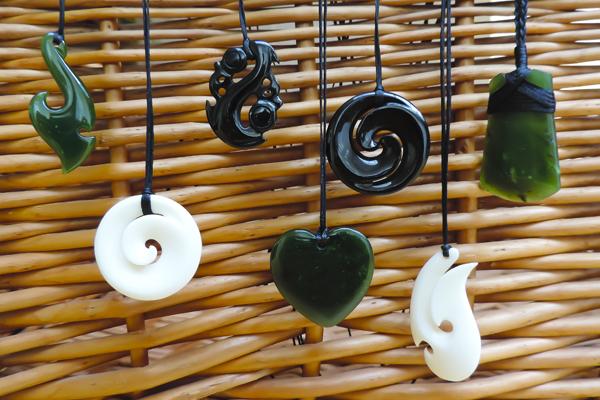 Maori hangers uit Nieuw-Zeeland