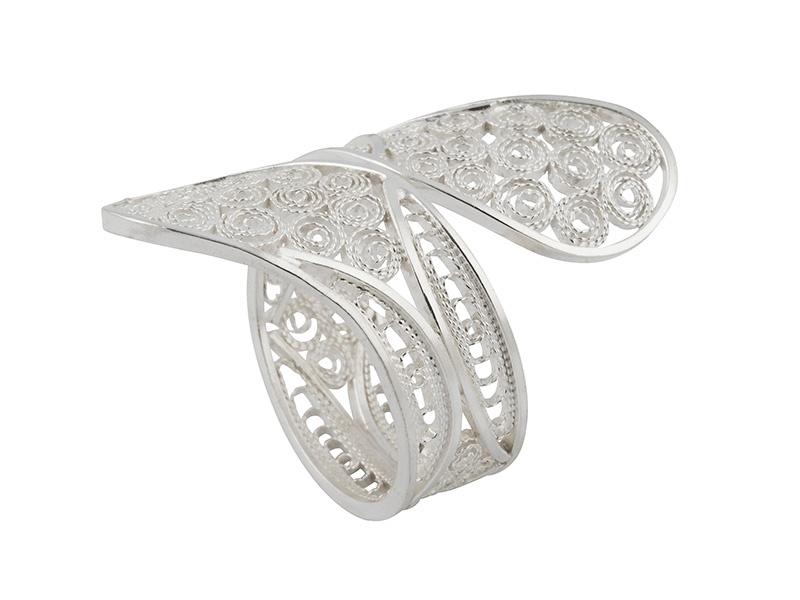Zilveren filigrain ring uit peru met decoratief ontwerp