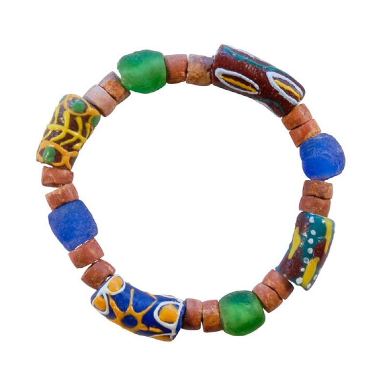 Ghanese armband met kralen van bauxiet en glas